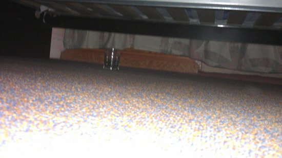 The Lonsdale Hotel:                   Under the bed