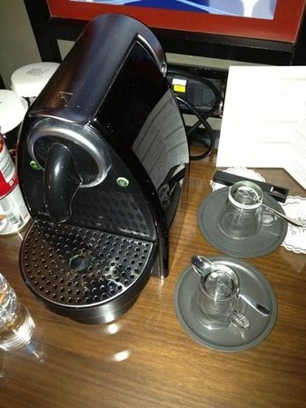 Gezi Hotel Bosphorus:                   a nice coffee machine