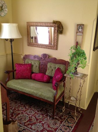 Mountain View Inn: Sitting area in Mrs. Mead's Room