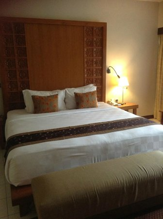 Rama Beach Resort and Villas:                   queen bed