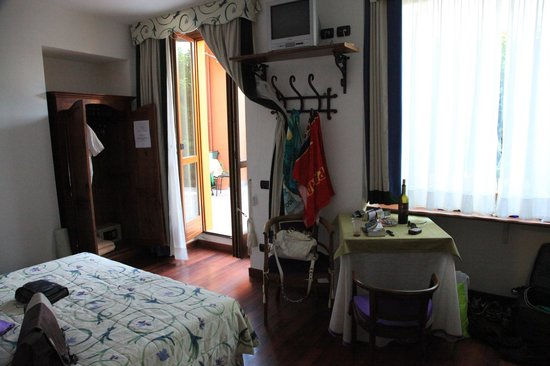 Hotel Centrale: room on main floor
