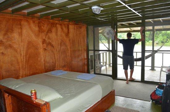 Jungle Land Panama Floating Lodge:                   Room on houseboat