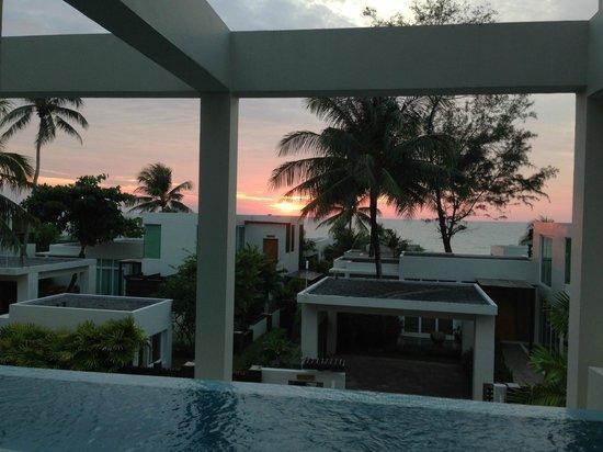 Aleenta Phuket Resort & Spa:                   beautiful sunset
