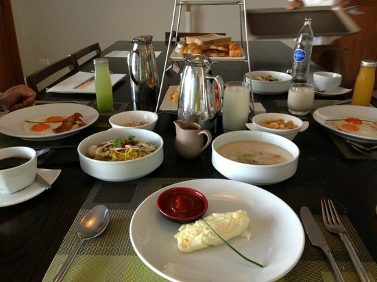 Aleenta Phuket Resort & Spa:                   breakfast spread
