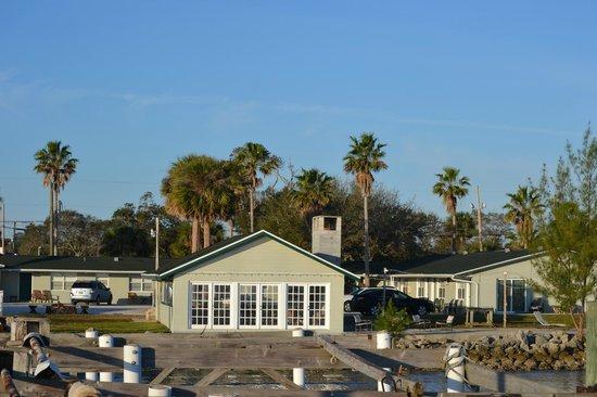 Sportsman's Lodge:                   Hotel view