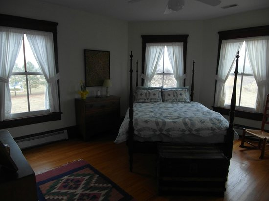 Belle Meade Bed and Breakfast:                   Dogwood Room