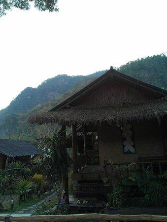Chiang Dao Hut: 1-BR bangalow