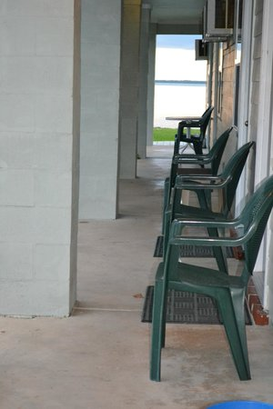 Sportsman's Lodge:                   Chairs outside each room