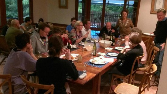 Bilpin Springs Lodge: Family dinner at the lodge
