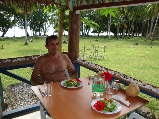 Towock Restaurant and Bungalows:                   Relaxing over a Complimentary Breakfast