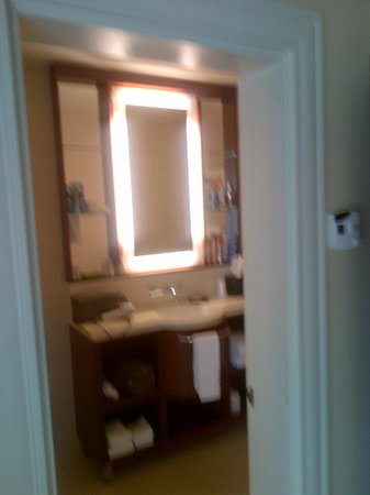 Moana Surfrider, A Westin Resort & Spa: Bathroom Vanity