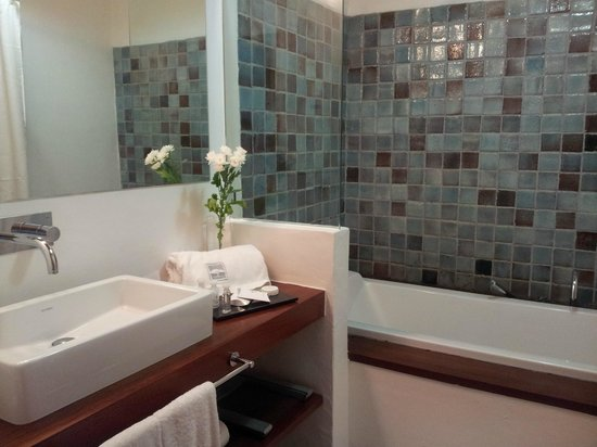 Herdade da Malhadinha Nova - Country House & Spa:                   Bathroom
