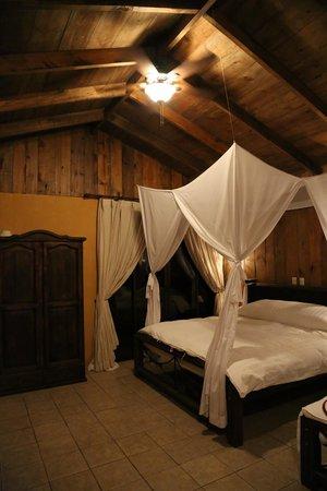 Zamora Estate Hotel:                   Room