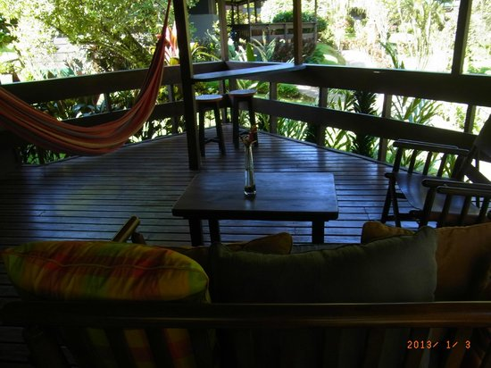 Chachagua Rainforest Eco Lodge:                   deck