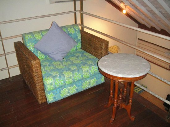 Villa Kresna Boutique Villas: Sitting area in the loft, Semeru Suite B