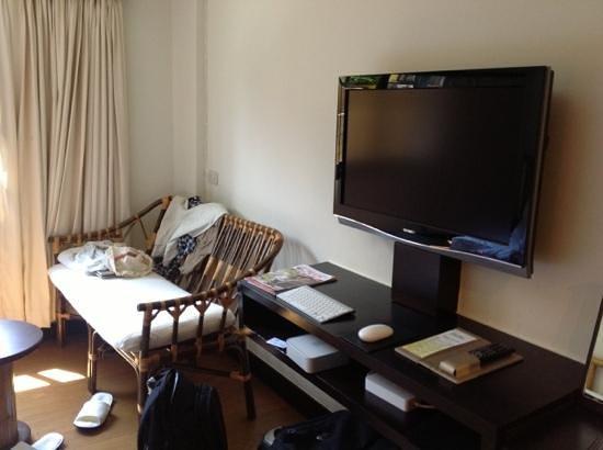 โรงแรมแบมบู เฮาส์ ภูเก็ต:                   телевизор