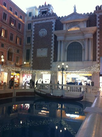 The Venetian Macao Resort Hotel: The canals on our way to our room