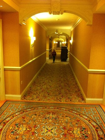 The Venetian Macao Resort Hotel: very long hallways leading to the suites