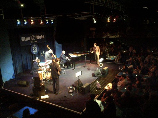 Blue Note Milano :                   View from 2nd floor on Kurt Elling show