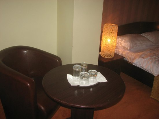 Hotel Anna: table in the room