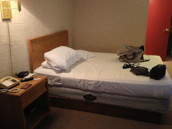 "Alpine Valley Resort: ""jail cell"" bed"