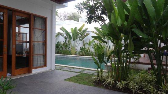 Villa Samaya:                   View of the pool from Villa entrance