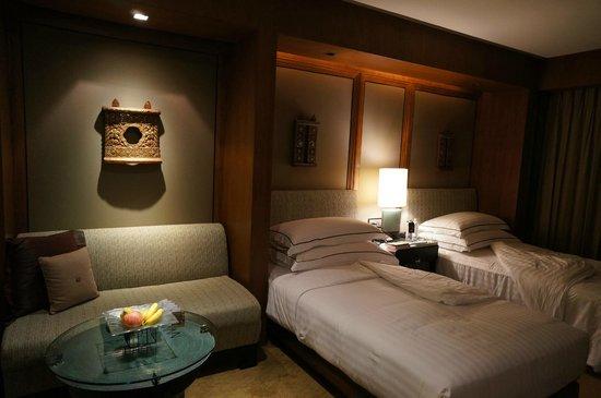 Conrad Bangkok Hotel: room