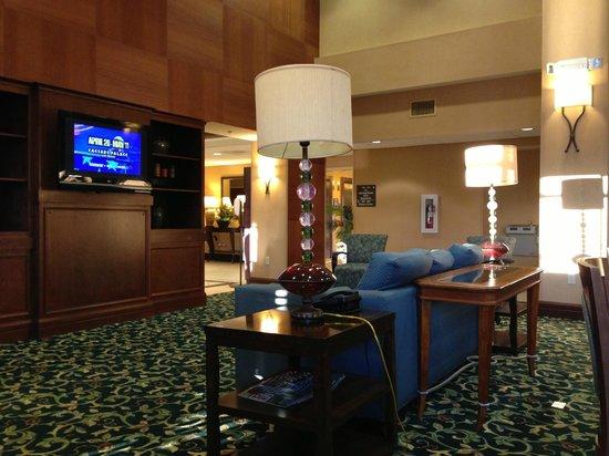 Hampton Inn & Suites Seal Beach:                   Lounge