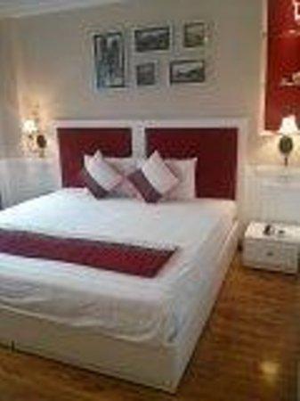 Calypso Suites Hotel: 部屋は清潔です。お水も無料でした。 