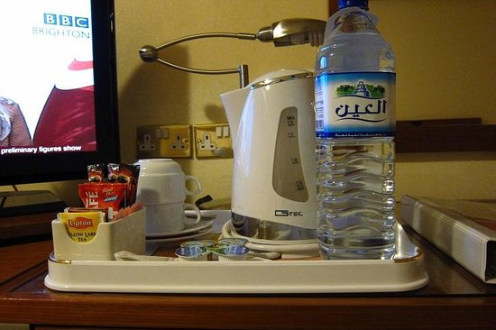 Ramada Hotel Bahrain: Water and Complimentary stuff
