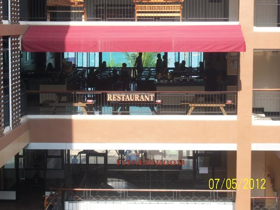 Baywalk Residence Pattaya :                   Restuarant and the Sea