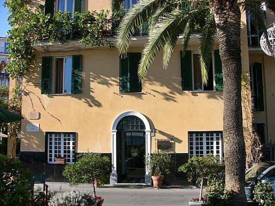 Hotel Beau Rivage: Hotelansicht