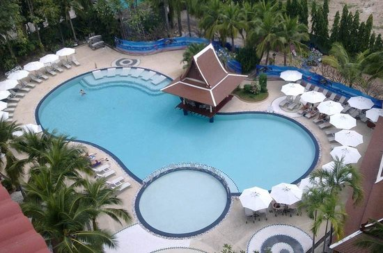 Mercure Pattaya Hotel : our new Swimming Pool