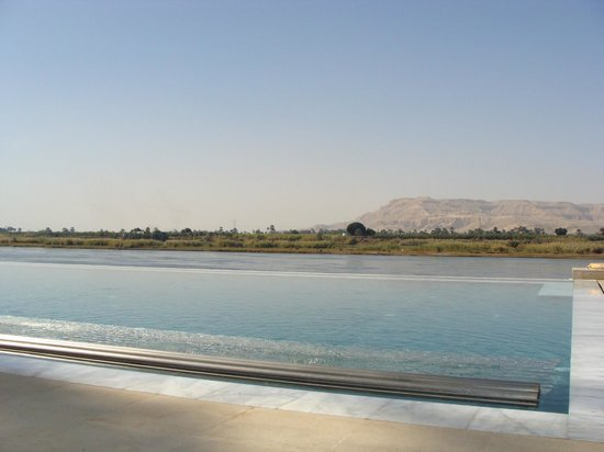 Hilton Luxor Resort & Spa: Infinity Spa Pool Overlooking The Nile