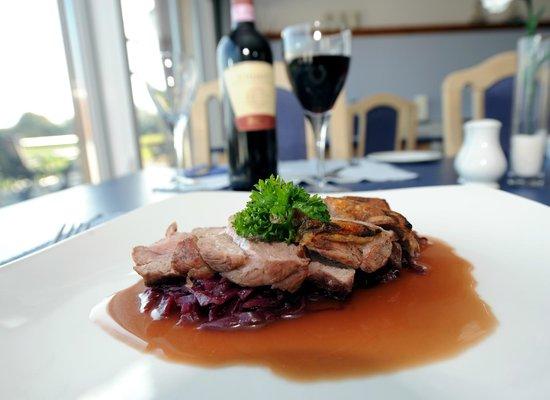 Waves Bar and Restaurant: Classic Italian dishes - Lamb Chianti
