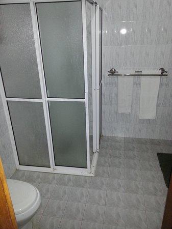 Panchi Villa: Badezimmer - Duschkabine