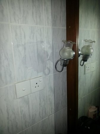 Panchi Villa: Badezimmer