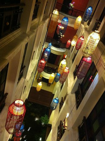 Shanghai Mansion Bangkok:                   bright lights - oriental style