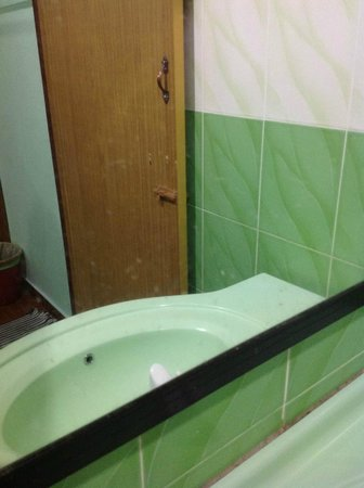 Purnama Beach Resort:                   Several weeks worth of toothpaste stains on the mirror