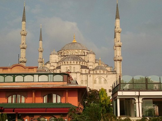 Best Point Hotel: View from roof terrace-Blue Mosque