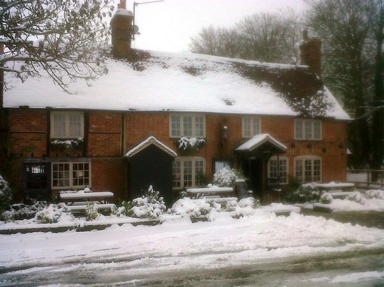 Mapledurham, UK: Packhorse - Front Jan 2012