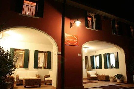Piombino Dese, Italien: L'Angolo Nascosto
