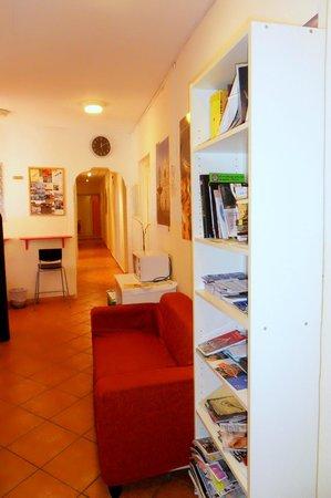 Albergo Paola: area lounge