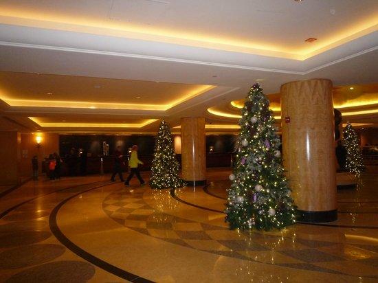 New York Hilton Midtown: ヒルトン・ニューヨークのロビー