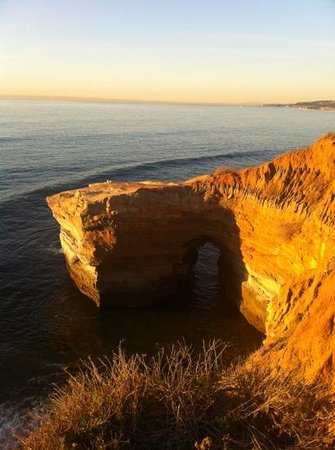 Sunset Cliffs Natural Park: arch at sunset cliff