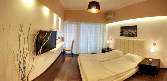 Kanoni, Yunani: Our fully renovated room.