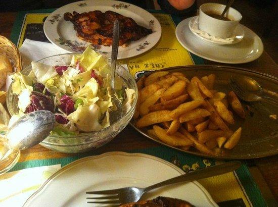 Chez Ma Cousine : Pollo + patatas + ensalada para dos