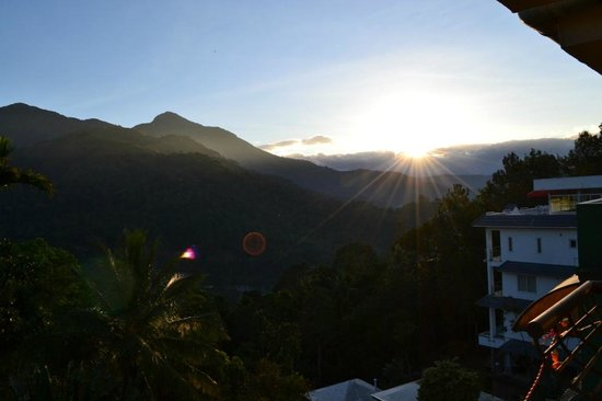 Igloo Nature Resort: morning sunrise from balcony.....