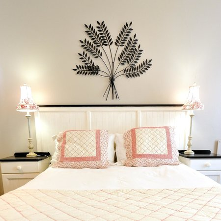 Beachwalk Bed and Breakfast: Room decor