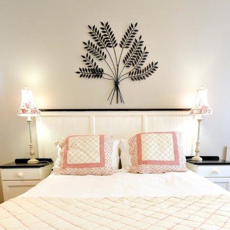 بيتشووك بيد آند بريكفاست: Room decor
